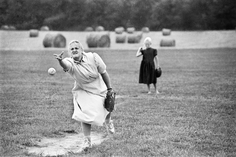 Mennonite_Softball02