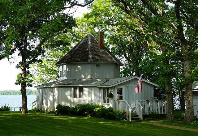 640px-Brightwood_Beach_Cottage,_Lake_Ripley,_Litchfield,_Minnesota