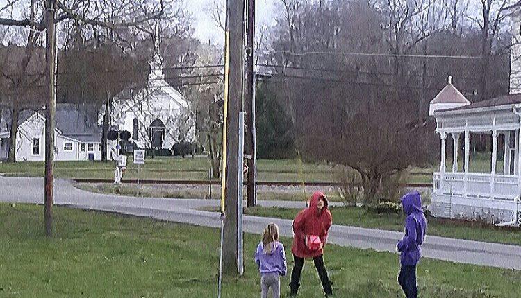 Kids playing in Kingston GA