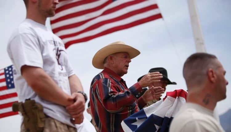 AP_cliven_bundy_armed_suppoerters_jt_140419_4x3_992.jpg