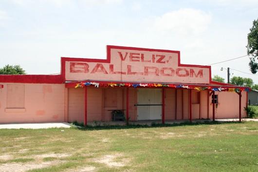 FloresvilleVeliz530.jpg