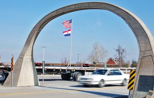 Missouriarch.jpg