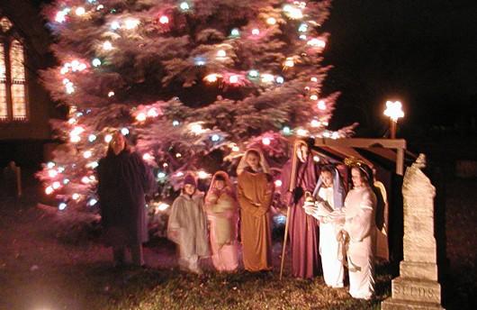 christmas-Tree-nativity530.JPG_.jpg